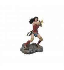 Figurine DC Gallery - Wonder Woman Bras Croises 23cm